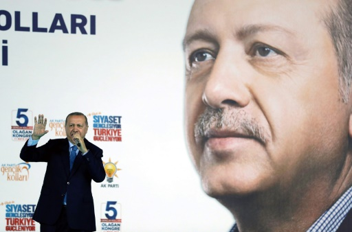 Turquie: mandats d'arrêt contre 346 militaires pour liens présumés avec le putsch