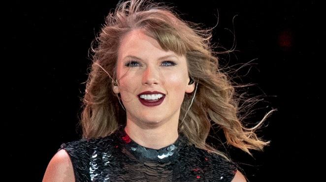 Voici pourquoi Taylor Swift n'a pas invité ses copines cette année pour célébrer la fête nationale américaine