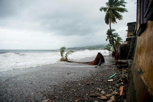 Guadeloupe et Martinique en vigilance jaune à l'approche d'un ouragan