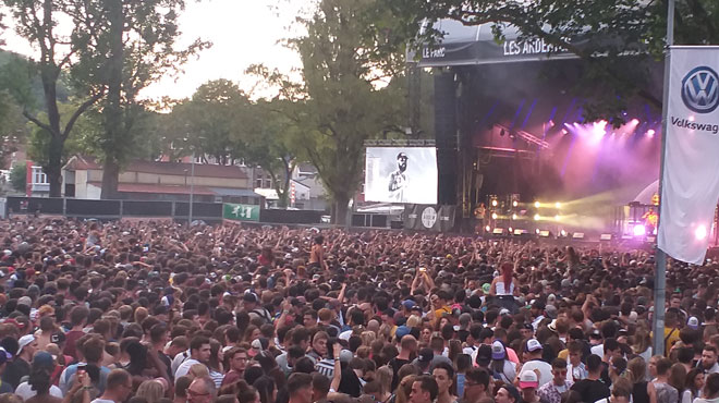 Trop de festivaliers pour le concert de Niska aux Ardentes: la police a dû intervenir