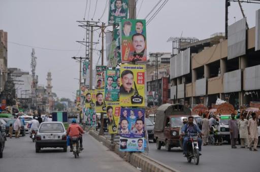 Pakistan: le gouvernement à venir hérite d'une économie en piteux état