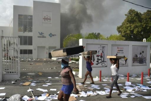 Haïti: nouveaux pillages dans la capitale avant une grève de deux jours