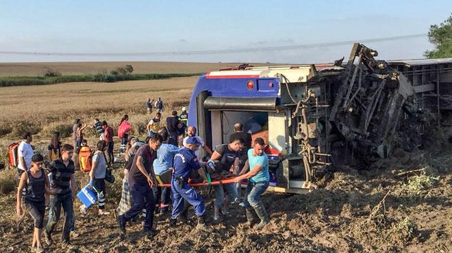 Déraillement d'un train en Turquie: le bilan monte à 24 morts
