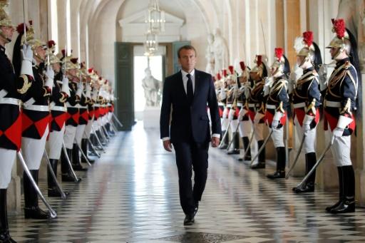 Macron veut amender la Constitution pour pouvoir répondre aux parlementaires en Congrès