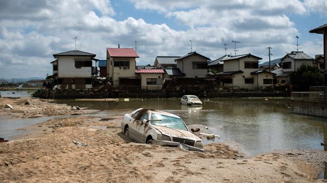 Catastrophe au Japon: après les terribles pluies, des recherches impossibles sous un soleil de plomb