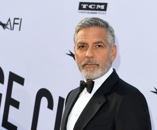 George Clooney légèrement blessé dans un accident de scooter en Sardaigne