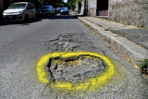 A Rome, l'appel d'une mère pour signaler les nids-de-poule
