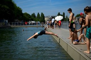Apprendre à nager à l'école- encore des progrès à faire