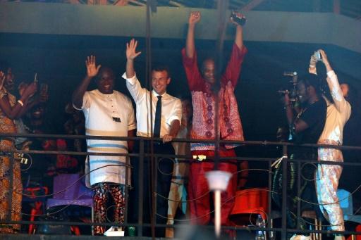 Le chanteur nigérian Femi Kuti salue la visite du président Macron dans son club à Lagos
