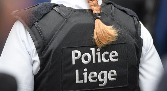 Liège: un jeune homme tente de voler les objets personnels des fêtards du Carré