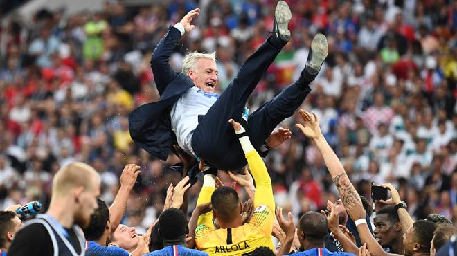 Didier Deschamps, champion du monde, précise son avenir au sein de l'Equipe de France