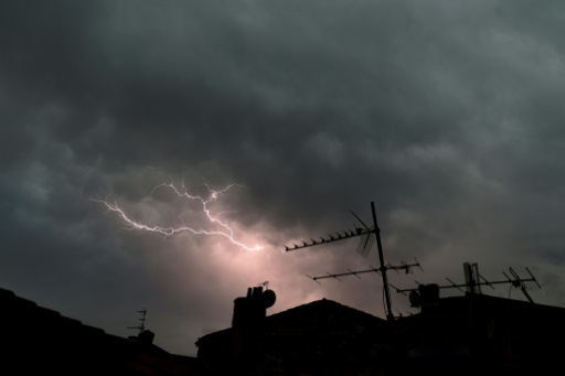 Orages: dix départements du sud en vigilance orange