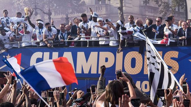 Des BLEUS en feu reçus à l'Elysée par Emmanuel Macron: