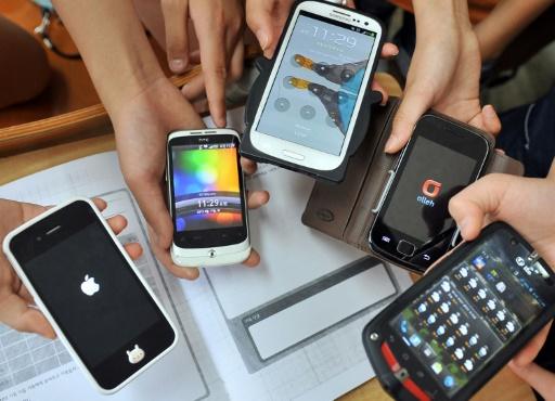 Le Sénat vote à son tour l'interdiction du portable à l'école