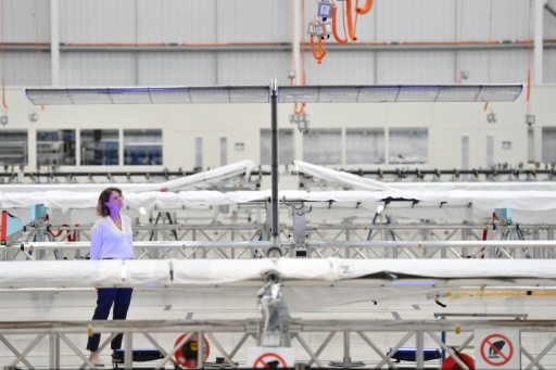 Airbus présente Zephyr, un drone-satellite à énergie solaire