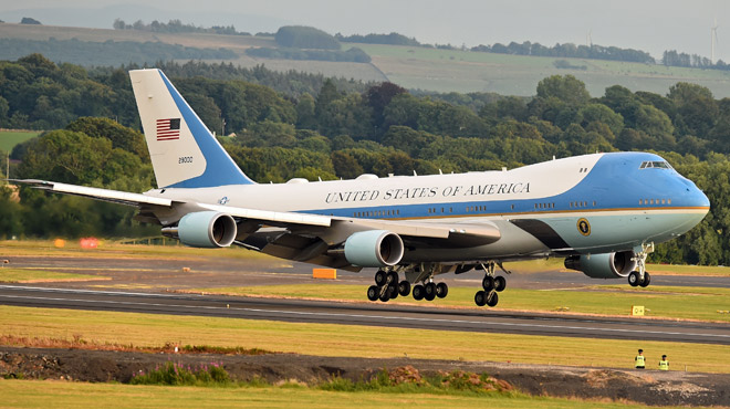 Le nouvel Air Force One commandé par Trump coûtera... 3,9 milliards de dollars: