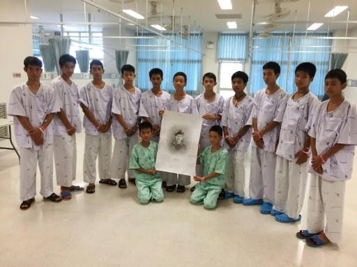 Thaïlande: les enfants rescapés de la grotte quittent l'hôpital