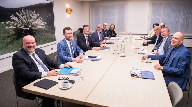 Le Groupe des Dix parvient à un projet d'accord sur les métiers en pénurie