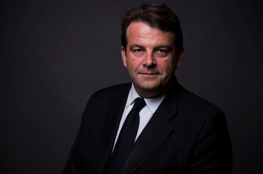Souçons de fraude fiscale: la garde à vue se poursuit pour Thierry Solère