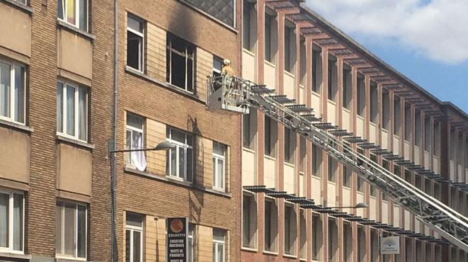 Une personne blessée et d'autres évacuées à cause d'un matelas qui a pris feu dans un immeuble à Schaerbeek