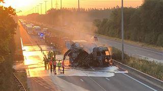 Un camion en feu provoque ce matin de gros embarras de circulation sur la E42 (photos) 3