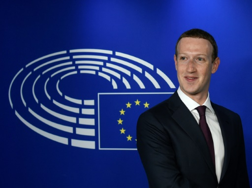 Laisser s'exprimer les négationnistes? Mark Zuckerberg au centre d'une polémique