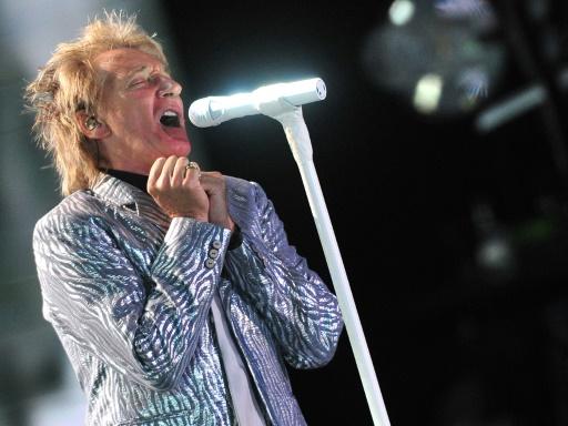 Rod Stewart chante ses regrets en tant que père, annonce un nouvel album