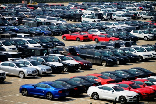 Menaces de Trump sur les autos: l'Europe prête à discuter et... riposter