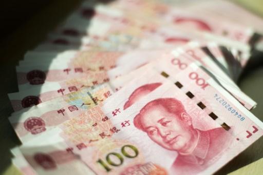 Le yuan continue à chuter, au plus bas face au dollar depuis un an