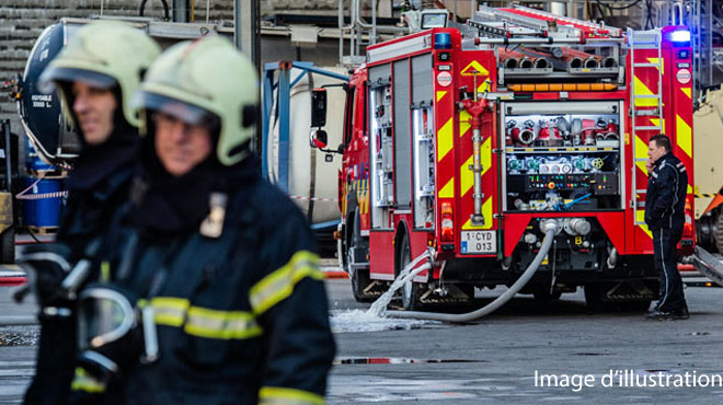 Les pompiers appelés pour un risque d'effondrement à Saint-Georges après qu'un camion ait percuté un poteau électrique