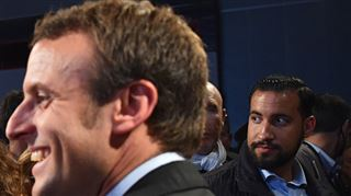 La polémique autour du collaborateur violent de Macron prend de l'ampleur en France- la plus grave crise à gérer pour le président français?