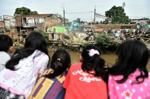 Indonésie: violée à 15 ans par son frère, elle est condamnée pour avoir avorté