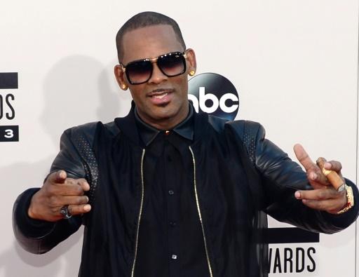 Dans un morceau de 19 minutes, R. Kelly révèle avoir été victime d'attouchements