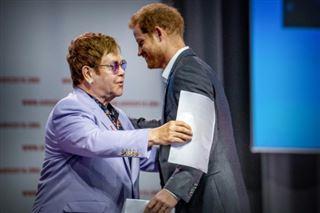 Elton John et le prince Harry mobilisés contre la transmission du VIH