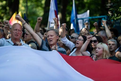 Pologne: le Sénat va adopter une réforme controversée, malgré de nouvelles manifestations