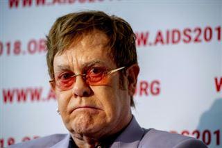 Elton John inspiré par ses amis victimes de l'épidémie dans sa lutte contre le sida