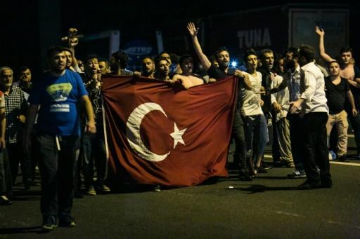 Turquie: le Parlement adopte une loi