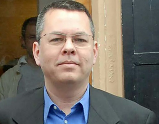 La Turquie place le pasteur américain Brunson en résidence surveillée
