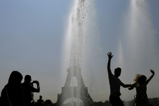 Canicule et pollution: une partie de la France suffoque