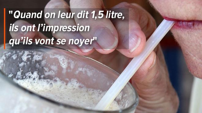 Certaines personnes âgées ne ressentent plus la sensation de soif, ce qui est très dangereux en pleine canicule: comment les inciter à boire?