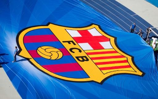 Hommes en classe affaires, femmes en économique: le FC Barcelone sous le feu des critiques