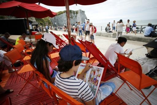 Sur les plages françaises, les cabanes-bibliothèques offrent une pause bienvenue