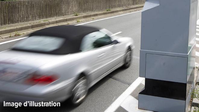 Suisse: un fou du volant dépasse largement la limite autorisée dans une zone 50 km/h, sa voiture a été saisie