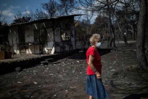 Grèce: les bénévoles affluent pour aider les rescapés des incendies