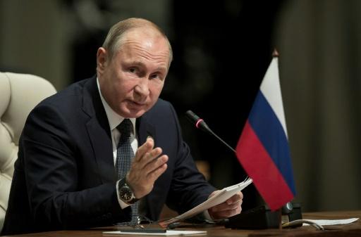 Poutine dit être