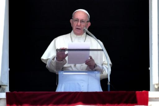 Une application permet d'écouter le pape en cinq langues