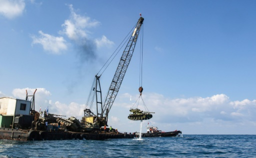 Des chars immergés dans la mer au Liban, pour le plaisir des plongeurs