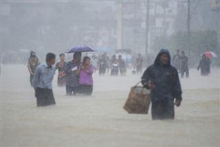 Inondations en Birmanie- au moins dix personnes tuées, des dizaines de milliers déplacées