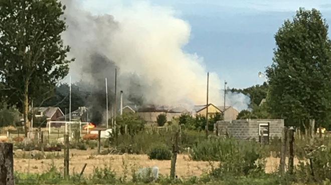 Thulin: un incendie démarre dans une grange remplie de foin et se propage à l'ensemble du bâtiment