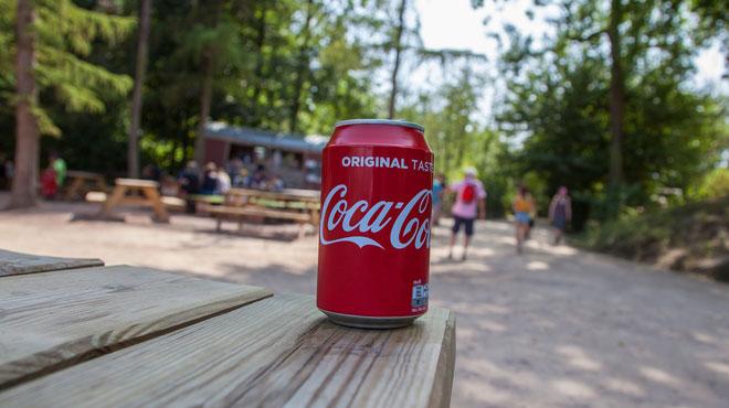 Coca, post-it et jeux de société plus chers: comment la guerre commerciale déclenchée par Trump impacte-t-elle le quotidien des Américains?